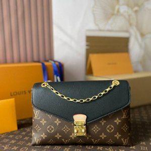 👒Louis Vuitton Black Monogram Pallas Chain Bag